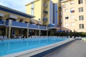 hotel piscine dans la chambre hotel portofino 3 étoiles avec restaurant et piscine à lido di jesolo