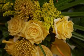 Sympathy Flowers Sympathy Tribute U0026 Funeral Flowers Everything Flowers At