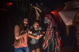 Six Flags Fear Fest Theme Park Halloween Attractions 6 Haunted Attractions For The