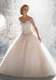 princesse robe de mariã e lumière sur la robe de mariée de princesse robes de mariée de