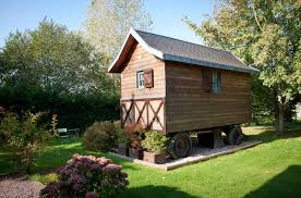 chambre d hotes lisieux roulotte chambre d hôte originale en normandie calvados pays d auge