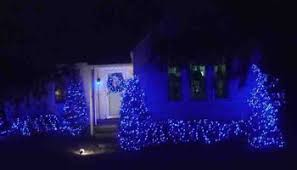 Blue Christmas Lights Decorations by Outdoor Christmas Light Decorating Ideas Pictures Tom U0027s Tek Stop