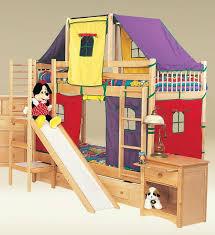chambre enfant toboggan lit cabane enfant en 22 idées créatives