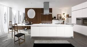 cuisiniste montpellier cuisine design blanche avec îlot