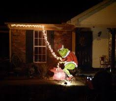 how the grinch stole outside decor i want to do this to