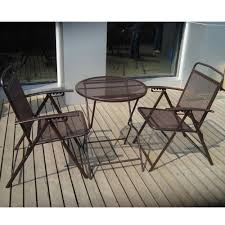 vintage style patio with lyon furniture dining table and