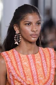 large earrings this jewelry trend is a big comeback