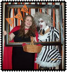 crafty in crosby easy halloween photo booth ideas 14pcs diy