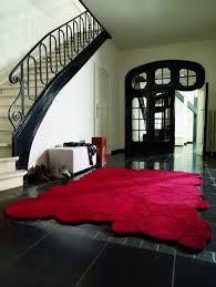 tappeto moderno rosso guarda dove metti i piedi i tappeti di design che cambiano la tua