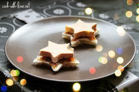 faire des canapes avec du de mie menu de noel toast etoile de mie chutney de figues et foie