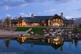 cabin homes luxury log cabin homes that are at one with nature
