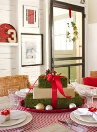 Best Christmas Dining Room Images On Pinterest Christmas - Dining room table christmas centerpiece ideas