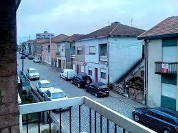 single bedroom with a balcony in pedrouços university dorm porto