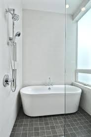 bathtubs for small spaces small freestanding soaking tub urbancreatives