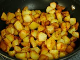 eggs with sumak and fried potatoes bayd bel sumak u batata