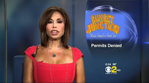 news anchor in la hair laura diaz 2011 08 24 6pm cbs2 hd losing her mic youtube