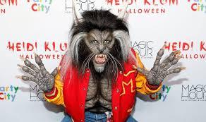heidi klum u0027s halloween costume channels michael jackson u0027s thriller