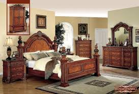 Jansey Upholstered Bedroom Set Meridian Royal Queen Panel Bed In Cherry