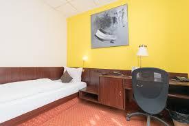 Schreibtisch Erwachsene Zimmer U2013 Cityhotel Stadt Hamburg Uelzen