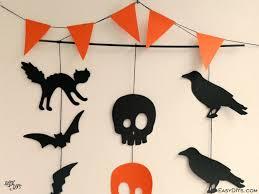 halloween garlands easy diy halloween garland easy diys
