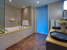 Tub And Shower Trends HGTV - Bathroom tub and shower designs