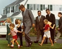 john f kennedy children president john f kennedy children and aides walk across the lawn