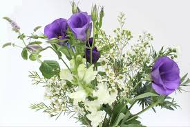 wedding flowers arranging your own wedding flowers a few tips wolves in london