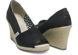 women u0027s shoes toms women u0027s black canvas wedges 53 21