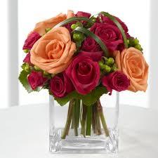 Flowers Glass Vase Illinois Florist Fabbrinis U0027 Flowers Roses In A Square Glass Vase