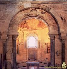 bureau de change poitiers interior monasterio de san juan de poitiers baptisterio
