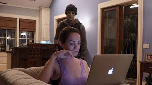 hush u0027 director mike flanagan reveals the secret to creating
