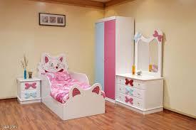 لغرف باللون الوردي الناعم