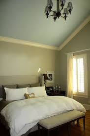 Crown Molding Vaulted Ceiling by How To Install Crown Molding Vaulted Ceiling Http Www Robinbad