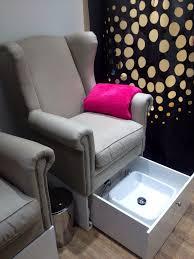 Home Salon Decorating Ideas Best 25 Beauty Salon Decor Ideas On Pinterest Beauty Salon Near