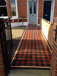 100mm black and red chequer board victorian mosaic tile path