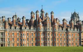 student life london vs dublin studentuniverse travel blog
