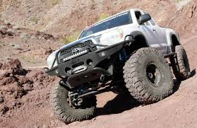 this built 2006 toyota tacoma commands the and trail