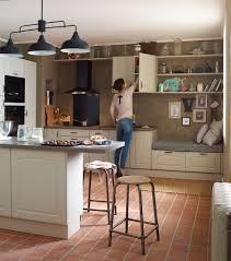 cuisines leroy merlin delinia cuisine en bois un matériau plusieurs styles travaux com