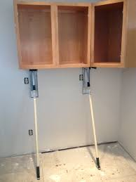 Kitchen Cabinet Installer Stand In The 1 Cabinet Jack Thestand In Com