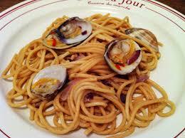 cuisiner des palourdes spaghettis aux palourdes spaghetti alle vongole recipe envie de