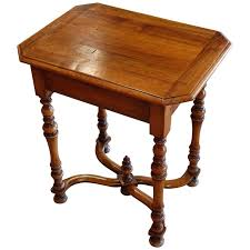 antique spindle leg side table 19th century walnut spindle leg side table italy at 1stdibs
