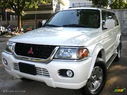 2000 mitsubishi montero sport information and photos zombiedrive