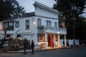 Top 100 College Bars In West Marin The Past Lives On Through Dive Bars San Francisco