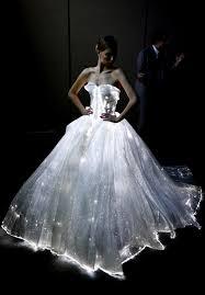 zac posen light up gown zac posen presents a fashion feat at adobe max the san diego union