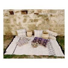 maison du tapis tapis ecru pompons nordique motif croisillons berbère 140x200cm