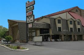 Comfort Inn In Pigeon Forge Tn Tennessee Mountain Lodge In Pigeon Forge Tn
