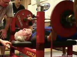 Bench Press World Record By Weight 91 Year Old Sets Bench Press World Record Thepostgame Com