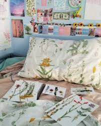 Artsy Bedroom Ideas Artsy Room