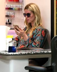hilton at a nail salon in beverly hills may 2015