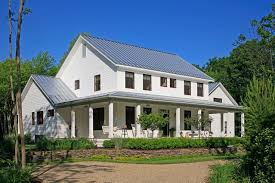 Farmhouse Exterior Country Farmhouse Exterior Colors Http Www Interiordesigne Com